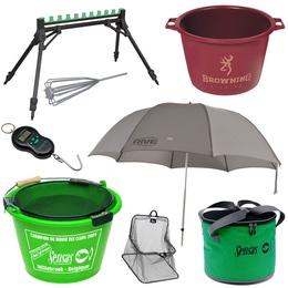 Rouleaux, parapluies, seaux, bassines et pesée